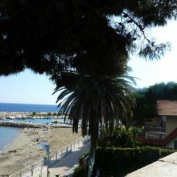 Bloemenriviera vakantiehuizen villa's agriturismo met zwembad bij Italian Residence italië specialist
