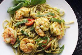 recept Spaghetti met pesto en knoflookgarnalen van de Smaak van Italian Residence vakantiehuizen vakantie villa agriturismo Italie