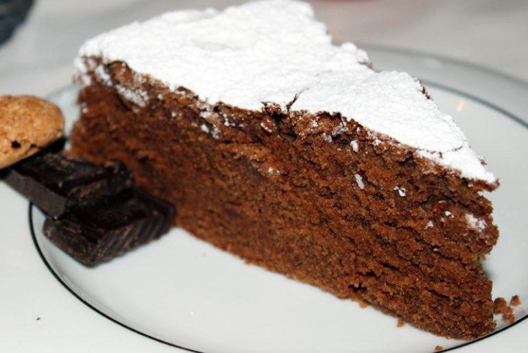 Recept Chocolade cake met amaretti biscuit koekjes Italian Residence vakantiehuizen Italie