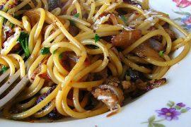 Pasta met confit de canard met Salie en boter van de smaak van Italian Residence vakantiehuizen Italie