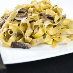 Tagliatelle met Funghi Porcini van de vele smaken van Italian Residence Vakantiehuizen Italie