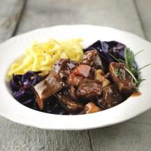 recept Caloriearme hertengoulash met rode kool en pasta van de vele smaken van Italian Residence