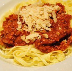 recept bolognese saus met chocolade van de vele smaken van Italian Residence Italië specialist