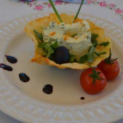 Recept bakjes van Parmezaanse kaas gevuld met sinaasappel-kruidenroomkaas van de Smaak van Italian Residence
