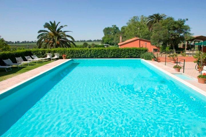 Agriturismo met zwembad versillie te huur via Italian Residence. Strand, dorp en rust bij de hand